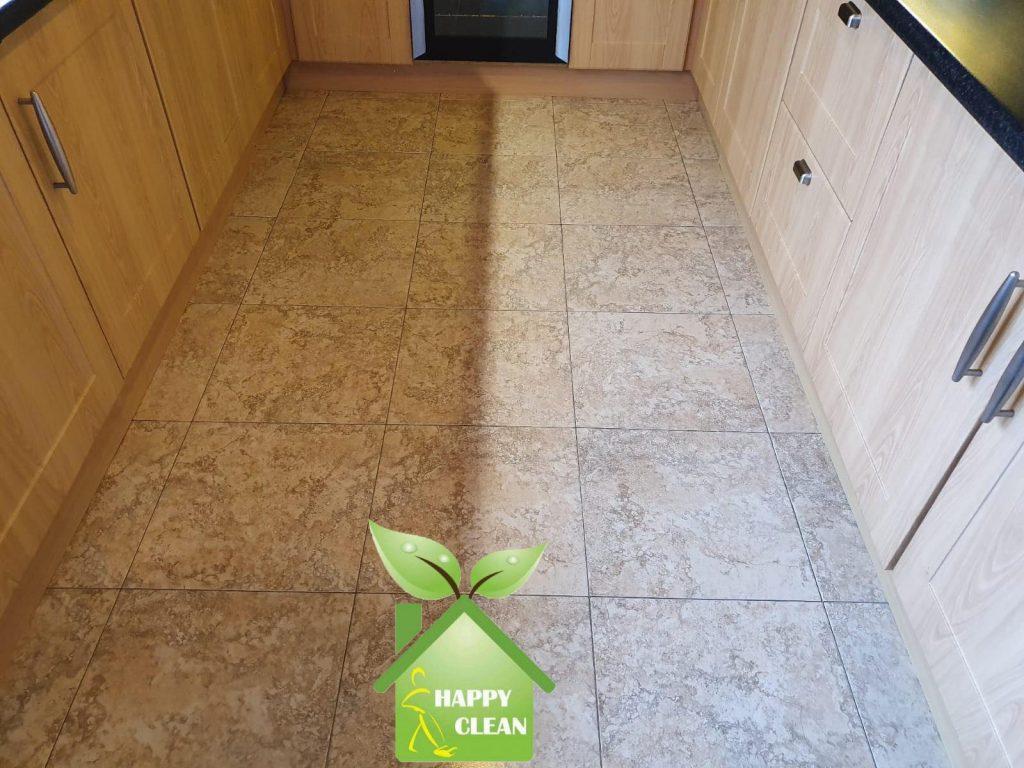 Kitchen floor half cleaned result